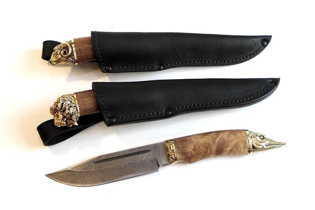 Нож кованый трофей дамаск в ножнах